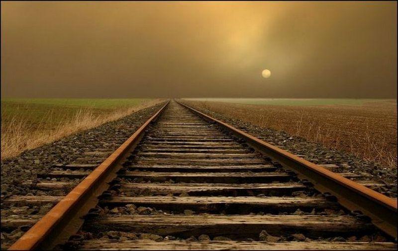 На Николаевщине возле ст.Колосовка мужчину убил поезд (ФОТО)