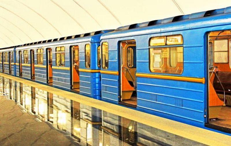 В Киеве закрыли центральную станцию метро из-за звонка о заминировании