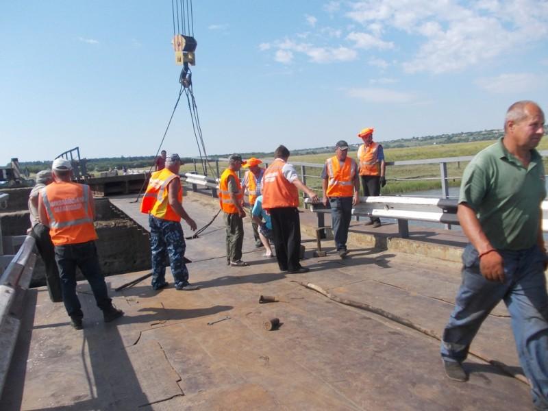 Васильевский мост в Снигиревском районе восстановили
