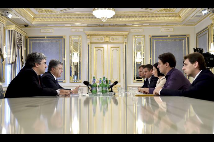 Президент обсудил с активистами выборы в Чернигове. Решили воспитывать избирателей