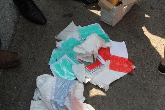Завтра – на скандальном 205-м округе в Чернигове выборы. А сегодня там нашли печати-двойники с избирательных участков