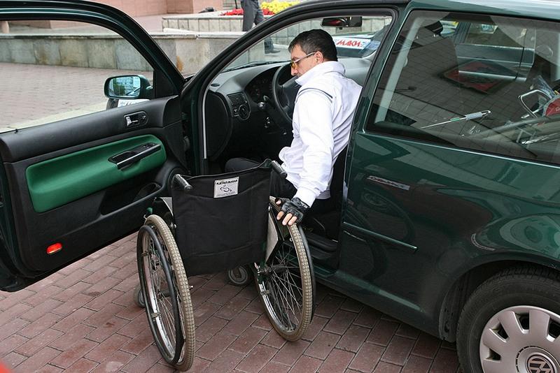 Рада приняла законопроект по организации дорожного движения для лиц с инвалидностью