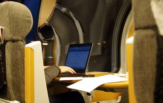 Во всех скоростных поездах с 1 сентября появится бесплатный Интернет