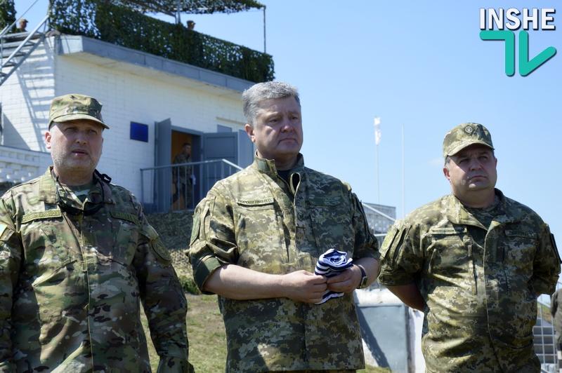 Полторак уволен с воинской службы: руководить ведомством он будет как гражданский