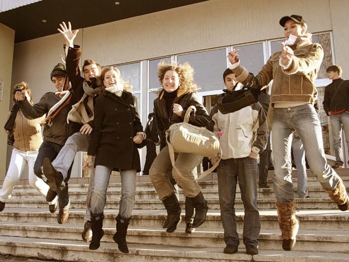 Ученые определили самый счастливый возраст в жизни человека