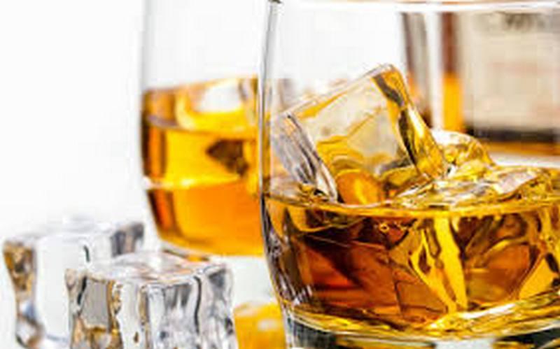 Forbes: виски и водка – лидеры пандемических продаж алкоголя