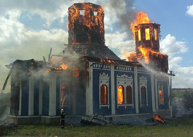 Пожар в церкви. Милиция подозревает поджог