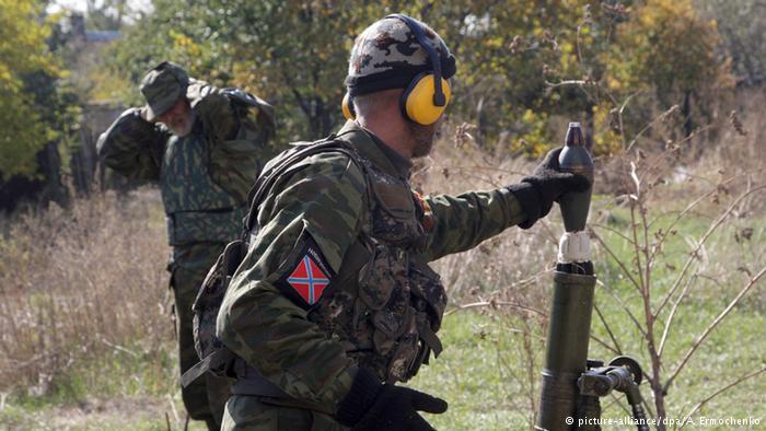 """Оккупанты на Донбассе провели анонимный опрос среди """"резервистов"""" относительно призыва: 50% окажут сопротивление всеми способами, 25% попытаются сбежать"""