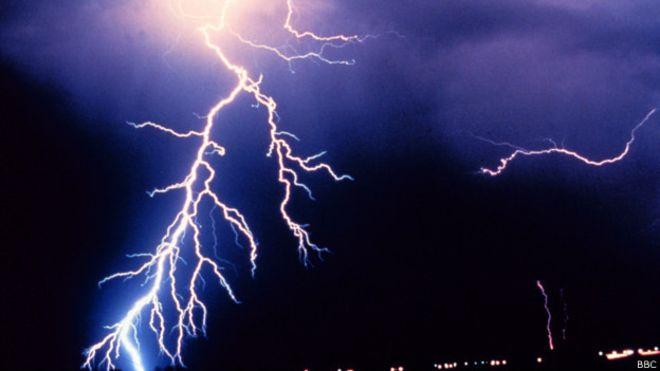 Во Франции от удара молнии на фестивале пострадали 15 человек