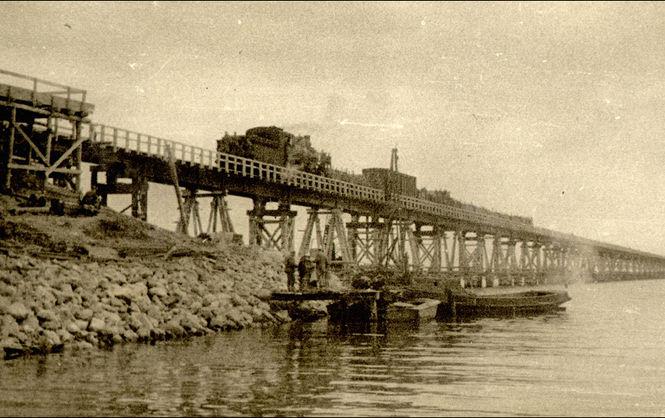 История Керченского моста. Его строили Сталин и Гитлер, но все заканчивалось одинаково