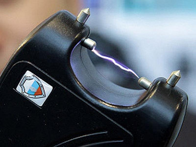 Сенаторы внесли законодательный проект оправе транспортных полицейских использовать электрошокеры