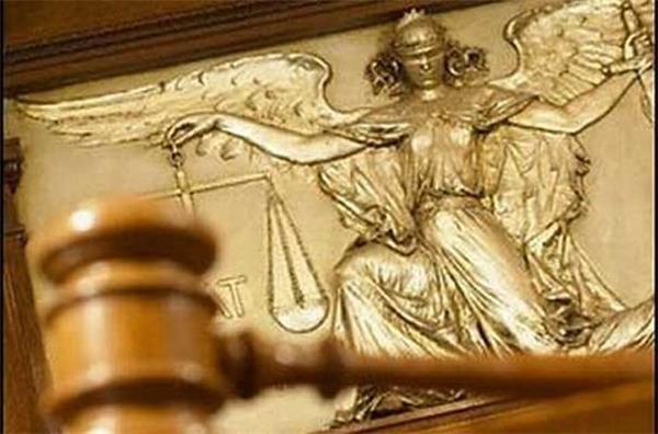 Как старший по возрасту. Исполнять обязанности председателя Конституционного суда будет Юрий Баулин