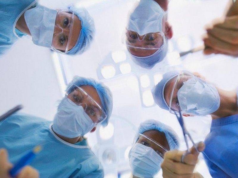 На Николаевщине хирурги спасли мужчине руку