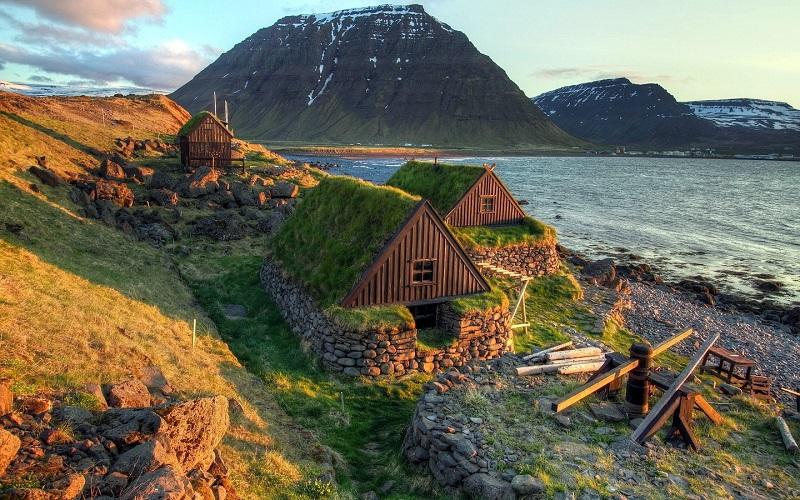 Исландия открывается для туристов, чья зарплата достигает $7360 в месяц