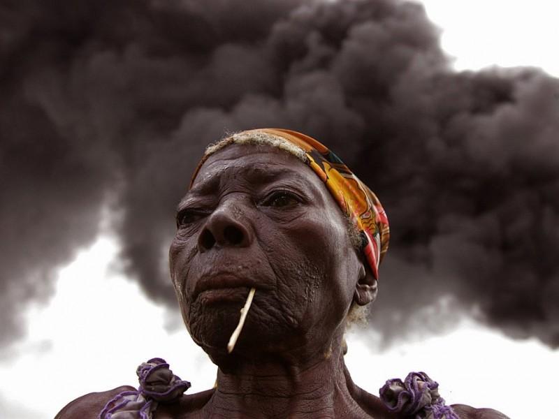 В Нигерии смертницы взорвали 12 человек