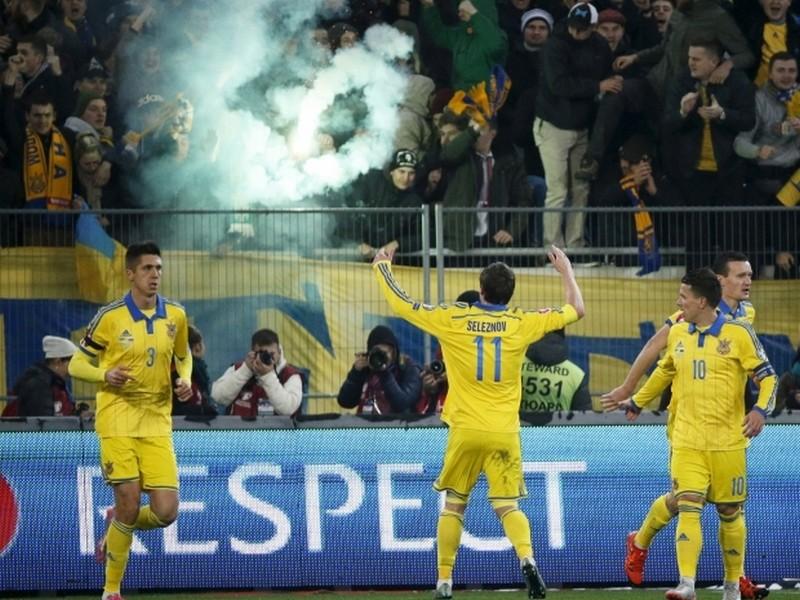 Сборная Украины выиграла у команды Словении в первом матче плей-офф отбора Евро-2016