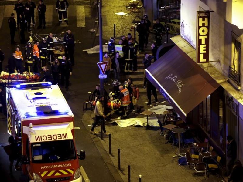 Франция продлила чрезвычайное положение ещё на два месяца