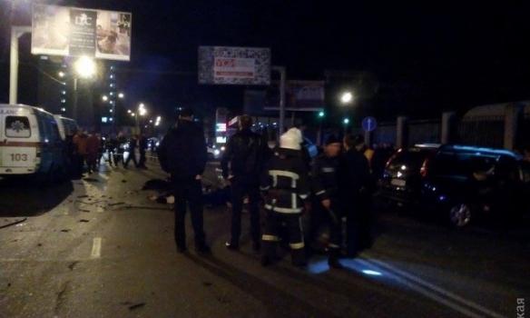 В Одессе столкнулись две машины – 6 человек погибло
