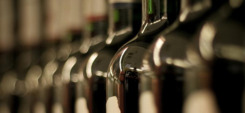 В Бордо сгорел склад вина, уничтожены 2 млн. бутылок стоимостью $13 млн.