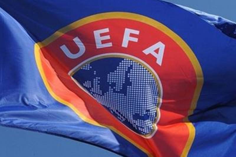 Порошенко поручил КабМину готовиться к финалу Лиги чемпионов, который пройдет в Украине в 2018 году