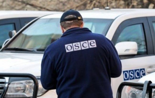 """ОБСЕ приостановила миссию на Донбассе: """"митингующие"""" оккупанты заблокировали отель с наблюдателями 5"""