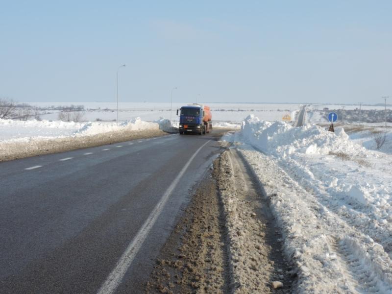 Николаевская служба автодорог сообщила о восстановлении движения транспорта по всем дорогам области