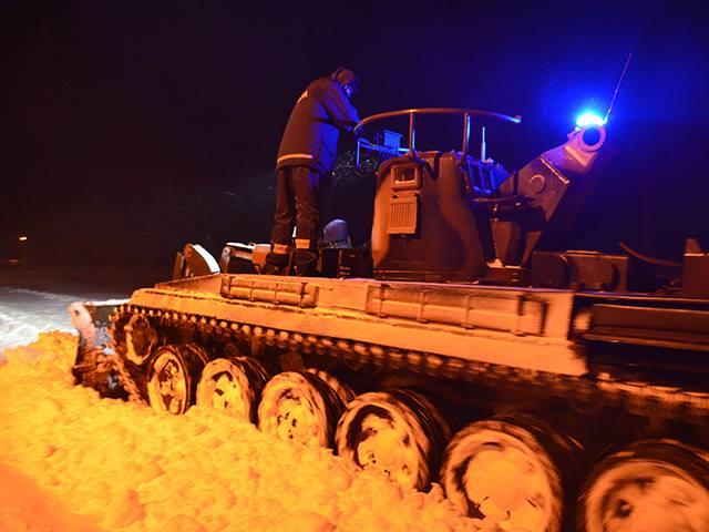 На Николаевщине ликвидацией аварий на линиях электропередач занималась нацгвардия с привлечением тяжелой военной техники