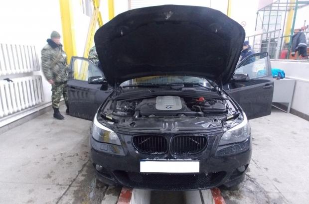 BMW – за контрабанду сигарет. Украинские таможенники наказали венгра за вранье
