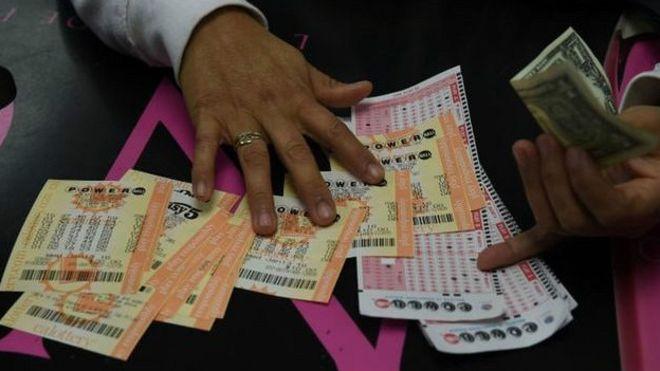 Американец выиграл в лотерею почти пол миллиарда долларов
