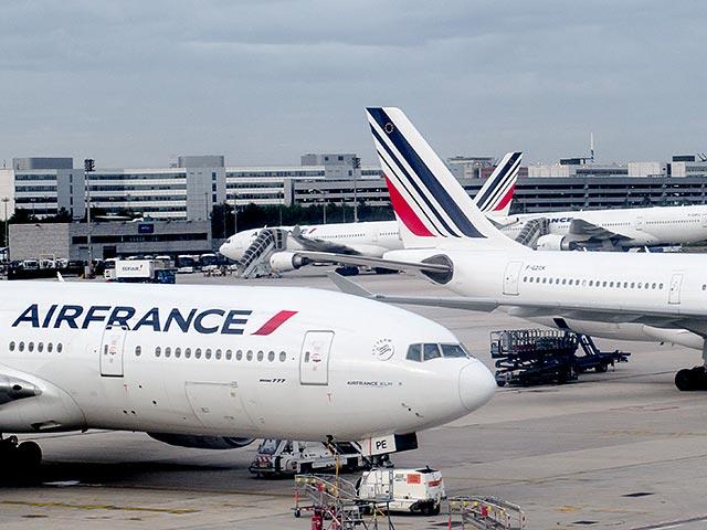 В аэропорту Парижа в отсеке шасси обнаружен труп ребенка
