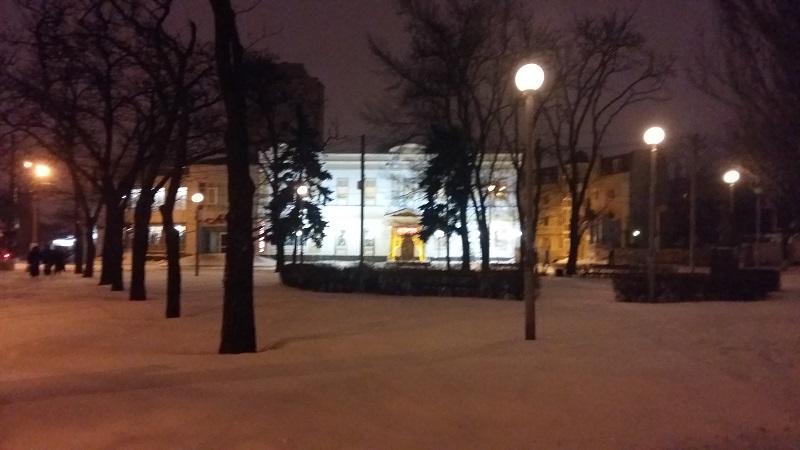 Испытание на прочность. В Николаеве улицы засыпает уже не снегом, а ледяной крошкой