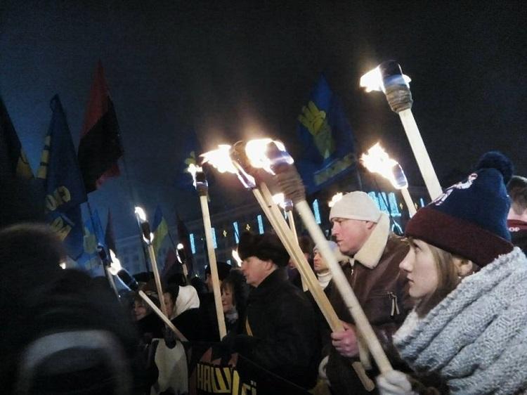 День рождения Степана Бандеры. В Киеве прошло факельное шествие и вече