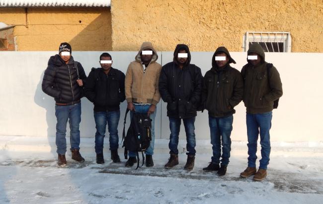 Украинские пограничники задержали 6 мигрантов из Шри-Ланки и 2 — из Ливии