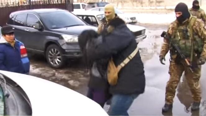 В Одессе сотрудники СБУ взломали квартиры вьетнамцев с «7 километра», унесли много денег. А потом «зачистили» информпространство