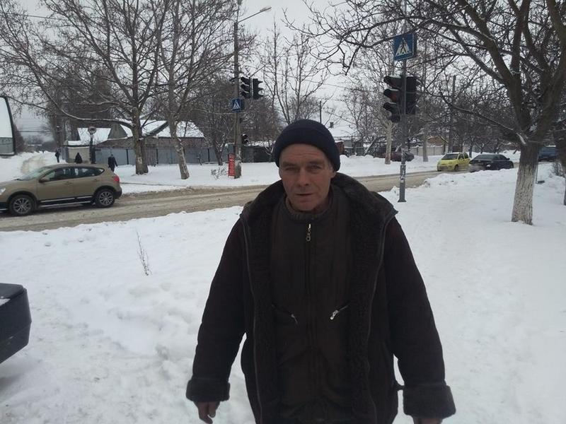 Помощь пришла: замерзавшего в Одессе дальнобойщика из Николаева вызволили спасатели