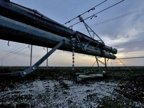 Вместо взорванной электроопоры ветки «Каховка-Титан» в Херсонской области уже установили новую