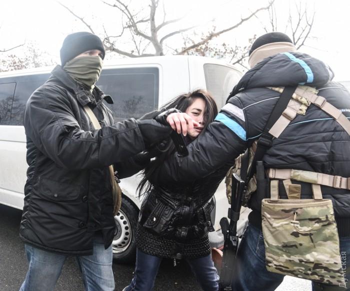 В Одессе в ходе спецоперации СБУ прошли столкновения с мигрантами из Вьетнама
