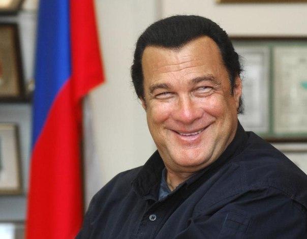 Стивен Сигал стал членом российской партии