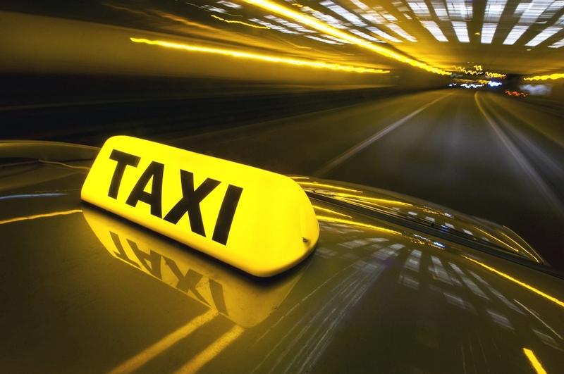 В Первомайске 32-летнего таксиста будут судить по подозрению в ограблении женщины