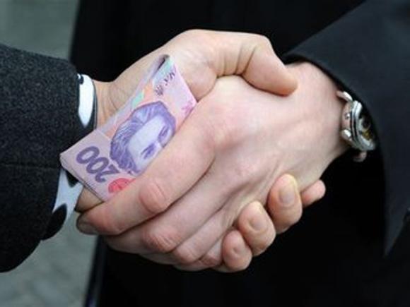 В Николаеве полиция задержала заведующего лабораторией на взятке в 4000 гривен