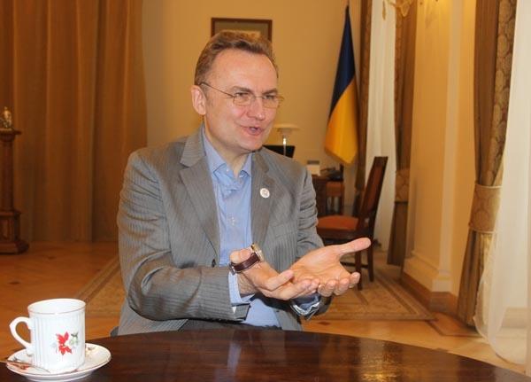 Самопомощь готовит обращение в НАБУ на николаевского губернатора Савченко из-за Сенкевича