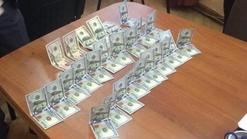 В Киеве на взятке поймали подполковника полиции