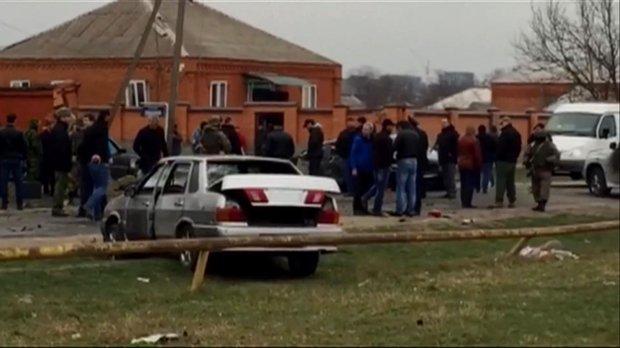 Автомобиль взорвался возле мечети в России, три человека ранено