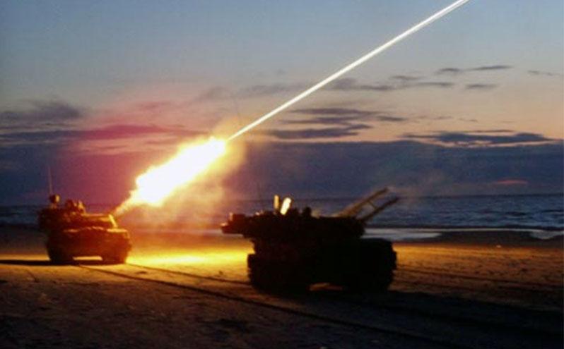 Порошенко призвал Россию прекратить стрельбу на Донбассе во время праздников
