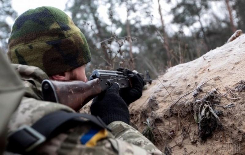 С начала года в АТО погиб 21 украинский военнослужащий, – Порошенко