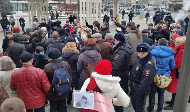 39 человек были задержаны на акциях в поддержку Савченко в Москве