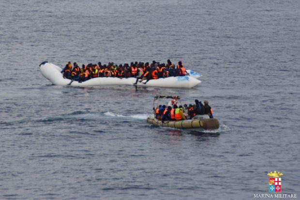 У северо-западного побережья Кипра в ночь на воскресенье спасли более 300 мигрантов – они заплатили перевозчикам по $2 тыс.