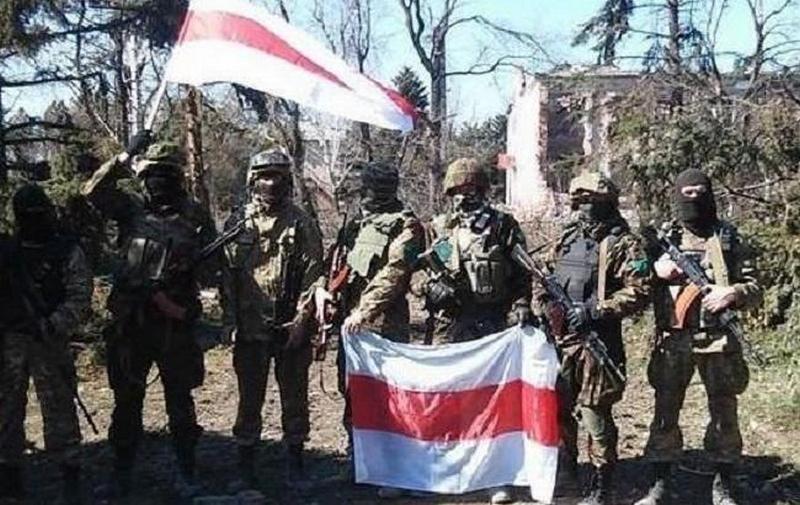 РФ перебросит в Беларусь военную живую силу и технику. Много, несколько дивизий