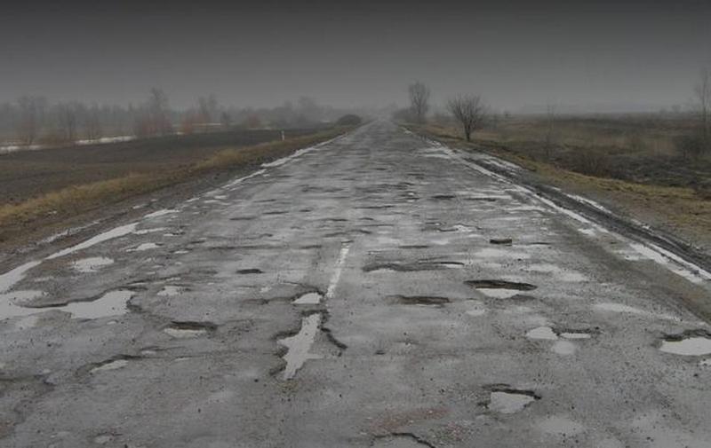 В Укравтодоре назвали регионы с наибольшим количеством аварийно-опасных участков дорог