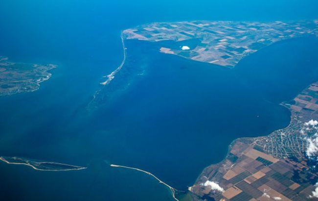 """В ФСБ заявили, что закрыли Керченский пролив из-за """"угрозы украинских кораблей"""""""